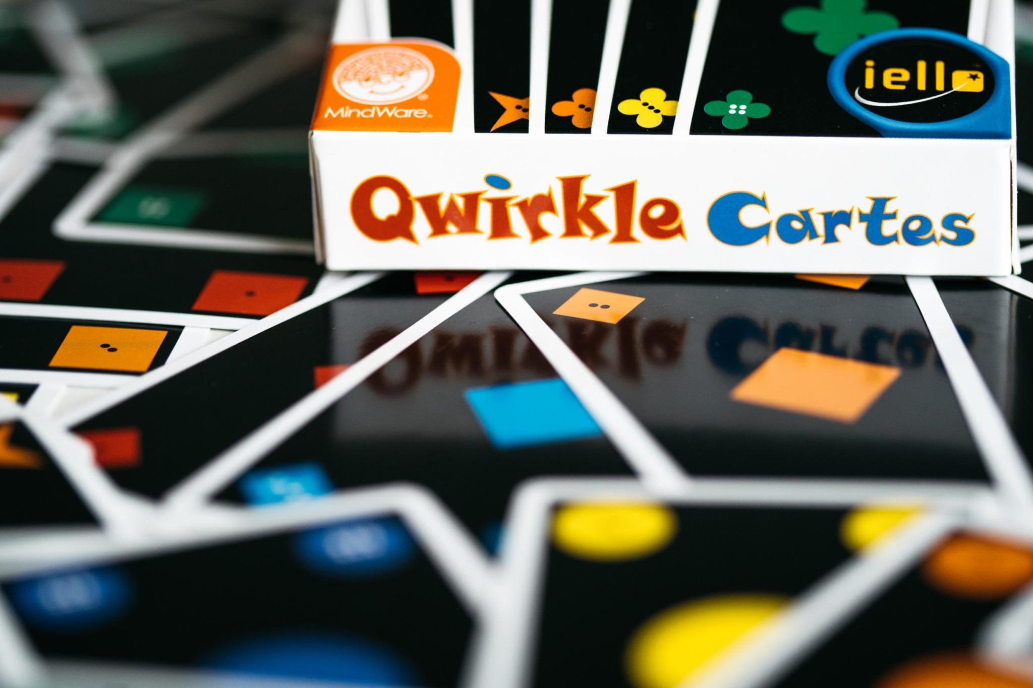 Qwirkle cartes iello jeu de société