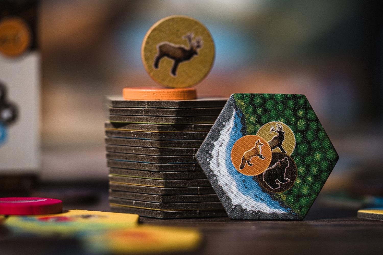 cascadia lucky duck games AEG boardgame jeu de société